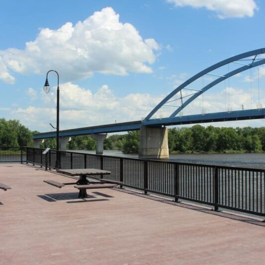 Marquette Scenic Overlook and Mississippi River Boardwalk 1